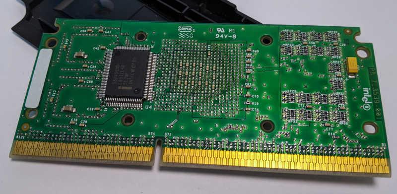 Intel Pentium II 400 Slot 1 Prozessor Rückseite