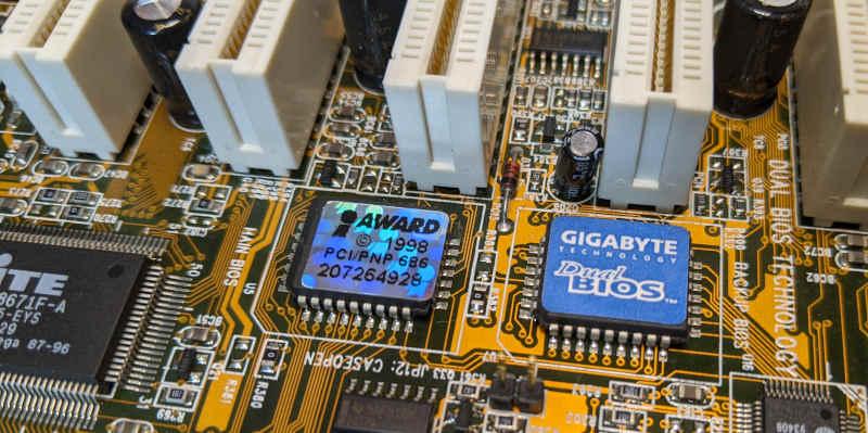 Gigabyte Mainboard GA-BX2000 Slot1 Dual-Bios