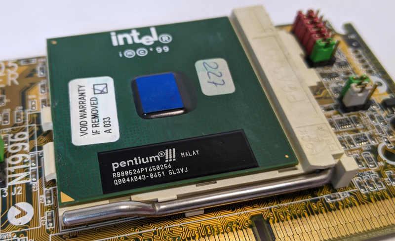 Intel Pentium III SL3VJ Prozessor
