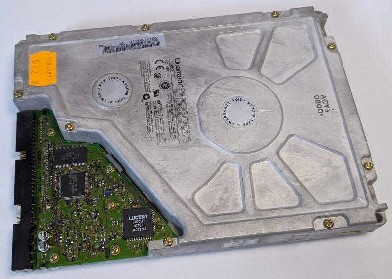 Quantum Bigfoot CY Festplatte 4320AT 5,25 Zoll Rückseite