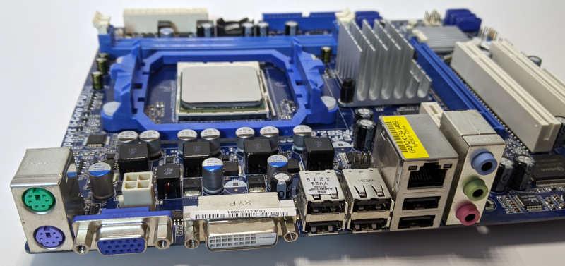 Asrock PC-Mainboard 880GM-LE Sockel AM3 IO-Shield