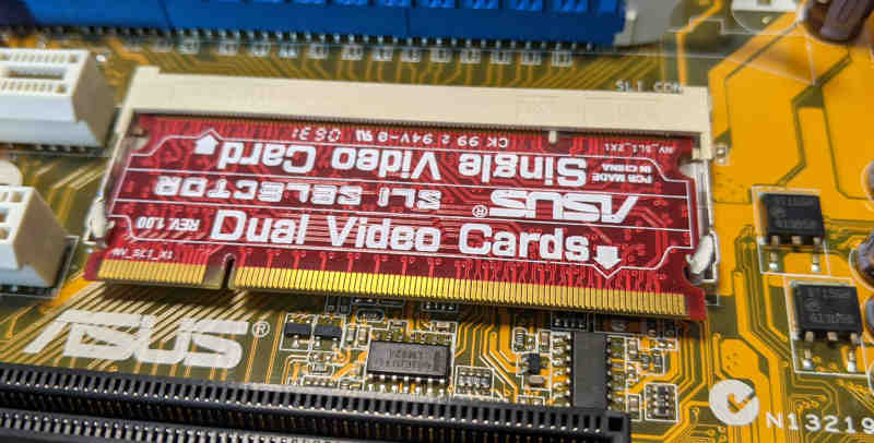 Asus P5NSLI PC-Mainboard SLI Karte - Single Dual Video Card