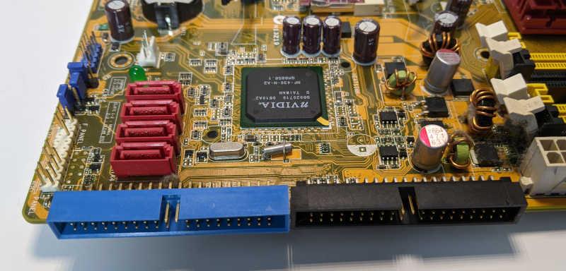 Asus P5NSLI PC-Mainboard SATA IDE ATAPI