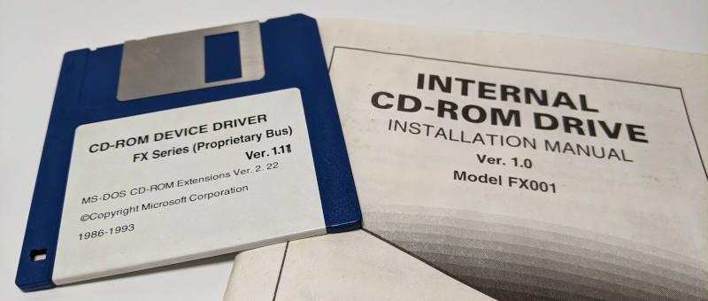 Mitsumi CRMC-FX001 CD-ROM Laufwerk non-IDE - Treiberdiskette und Handbuch