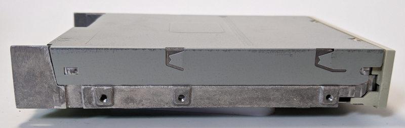Teac FD-235HF Diskettenlaufwerk 3,5 Zoll Seitenansicht