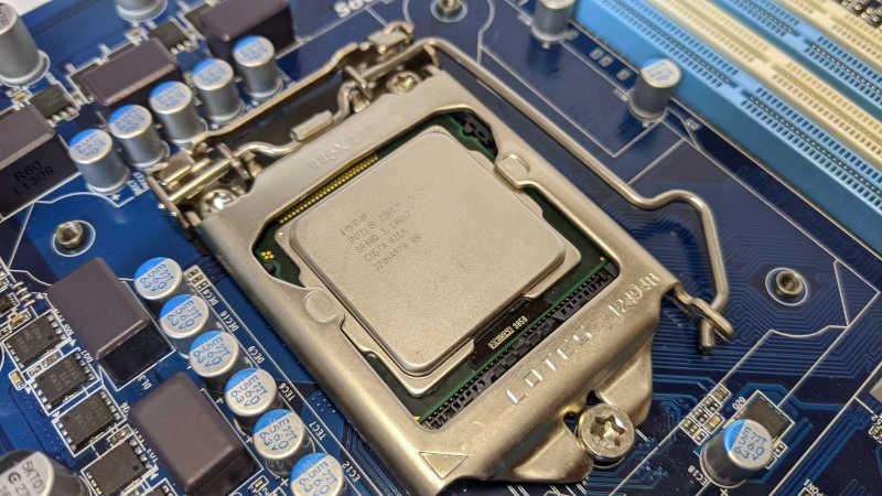 Gigabyte PC-Mainboard GA-Z77-DS3H mit Intel Core i5-2400 SR00Q